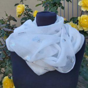 foulard blanc plume argent
