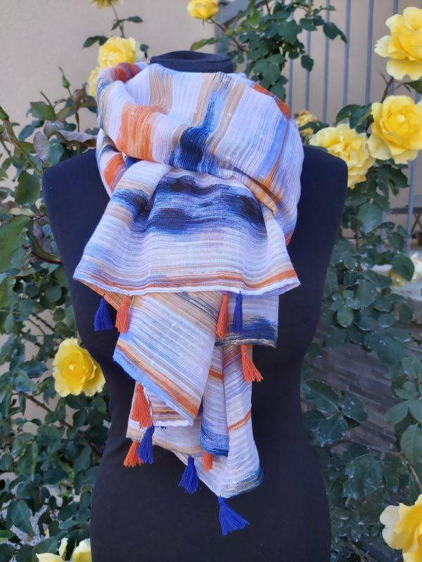foulard pompons bleu