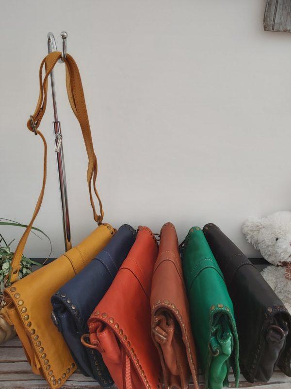 pochettes cloutee multicolor