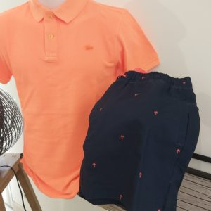 polo orange fluo et maillot de bain