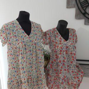 robe courte fluide leger fleur rouge et bleu