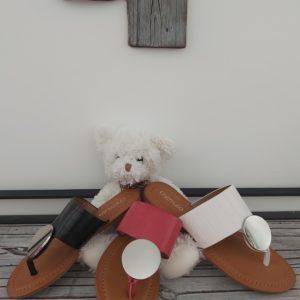 sandales noir rouge blanche