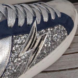 basket argente bleu eclair et brillant