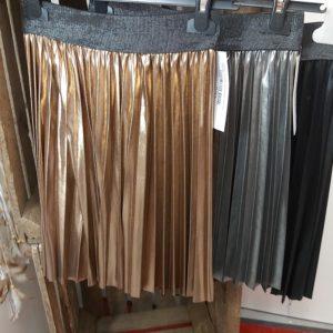 jupe satinee noir gris bronze